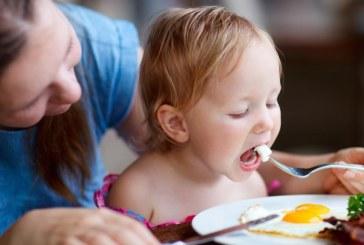 Il bambino vuole mangiare