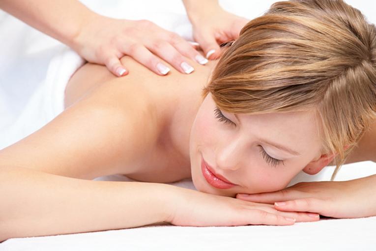massaggio ai piedi per lerezione