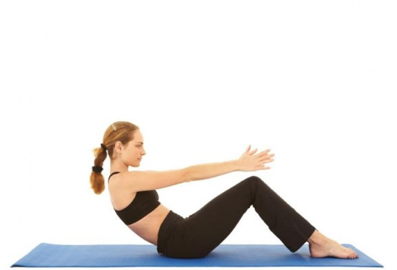 Stretching del corpo con il Pilates